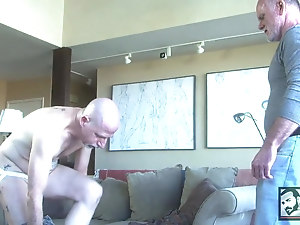 Silver Daddy Jordan Garrison uses Pig Bottom